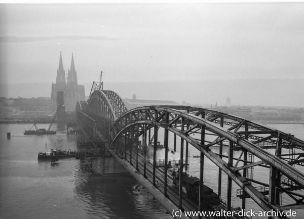 Wiederaufbau der Kölner Hohenzollernbrücke