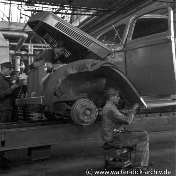 Endmontage eines Lkw bei Ford Köln