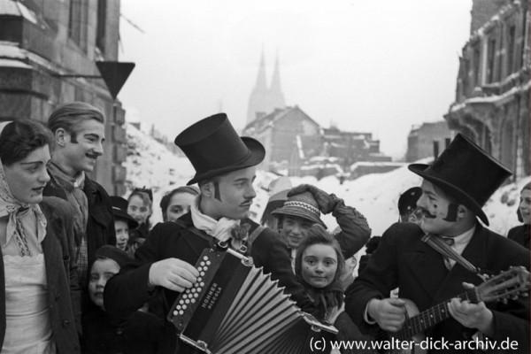 Kölner Kinder machen Karnevalsmusik