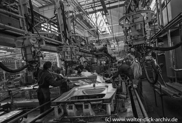 Karosseriemontage bei Ford in Köln