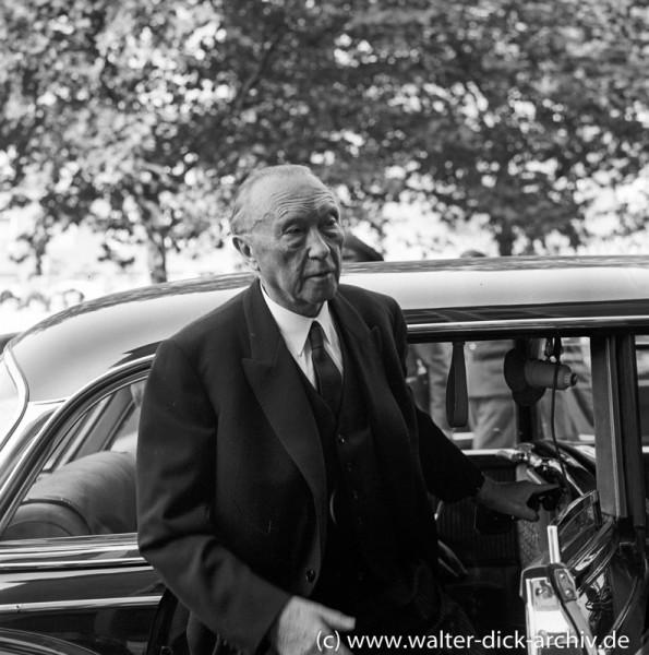 Bundeskanzler Adenauer zu Besuch in Köln 1963