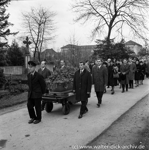 Beerdigung von Peco Bauwens 1963