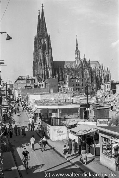 Neues Leben auf der Kölner Hohe Straße 1951