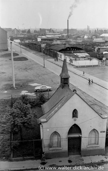 Rochuskapelle und Industriegebiet Bickendorf 1955