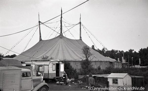 Ein Zirkuszelt? Der Williamsbau