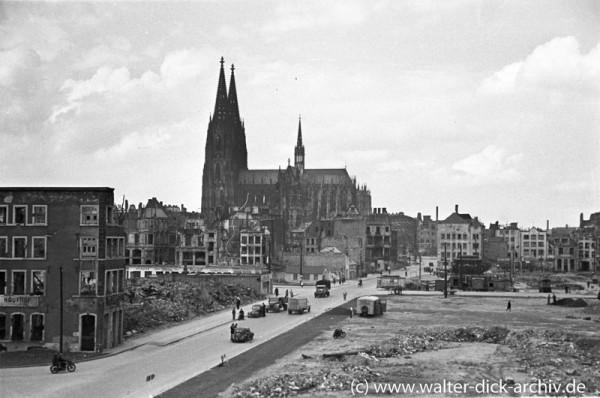 Heumarkt in Köln nach dem Krieg