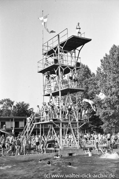 Der Sprungturm im Müngersdorfer Stadion