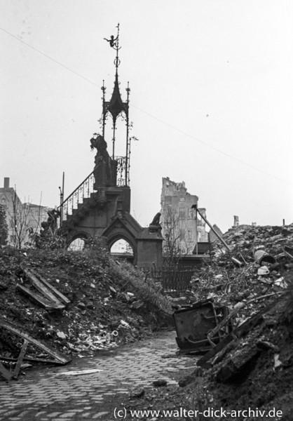 Der zerstörte Heinzelmännchenbrunnen