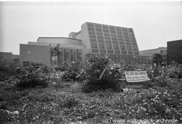 Idylle neben der neuen Oper 1958