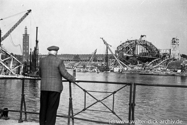 Die zerstörte Kölner Hohenzollernbrücke