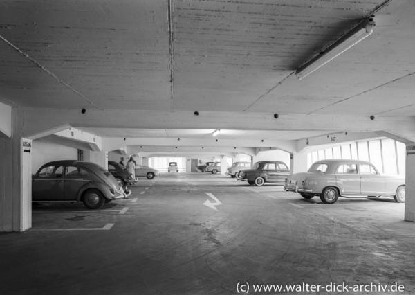 Im Parkhaus Maastrichter Straße 1962