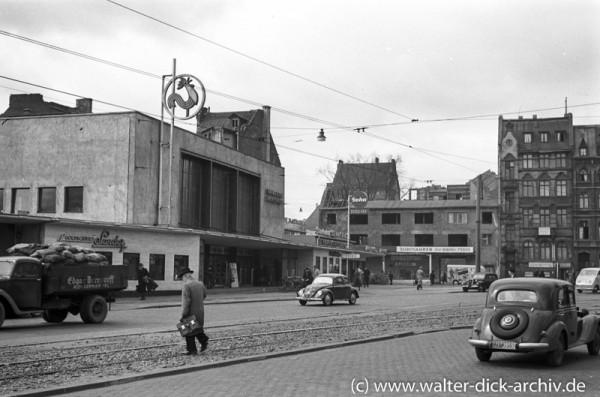 Vor den Hahnentorlichtspielen 1950