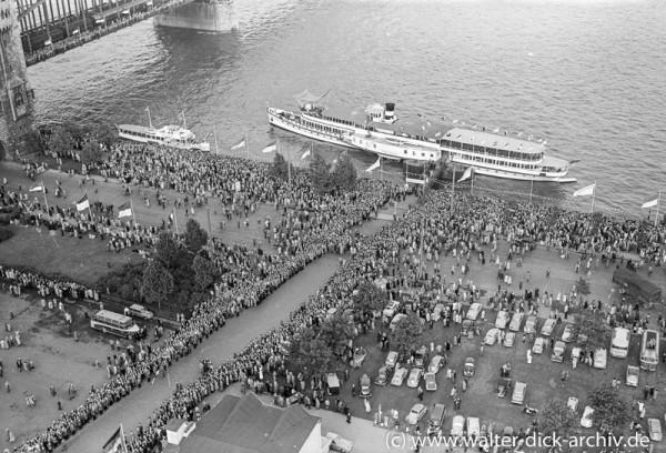 Schiffsprozession beim Katholikentag 1956