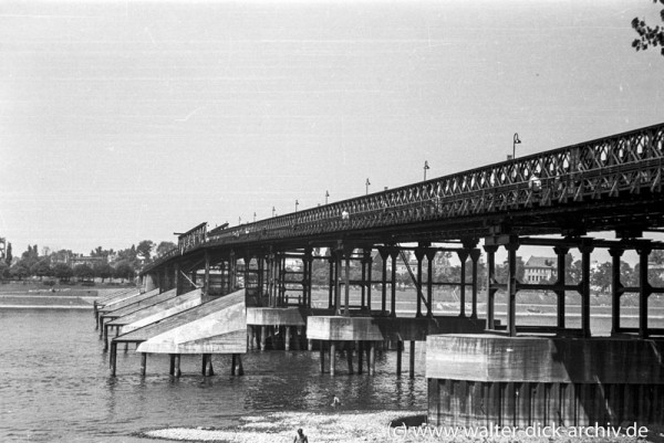 Pattonbrücke von Deutz aus gesehen